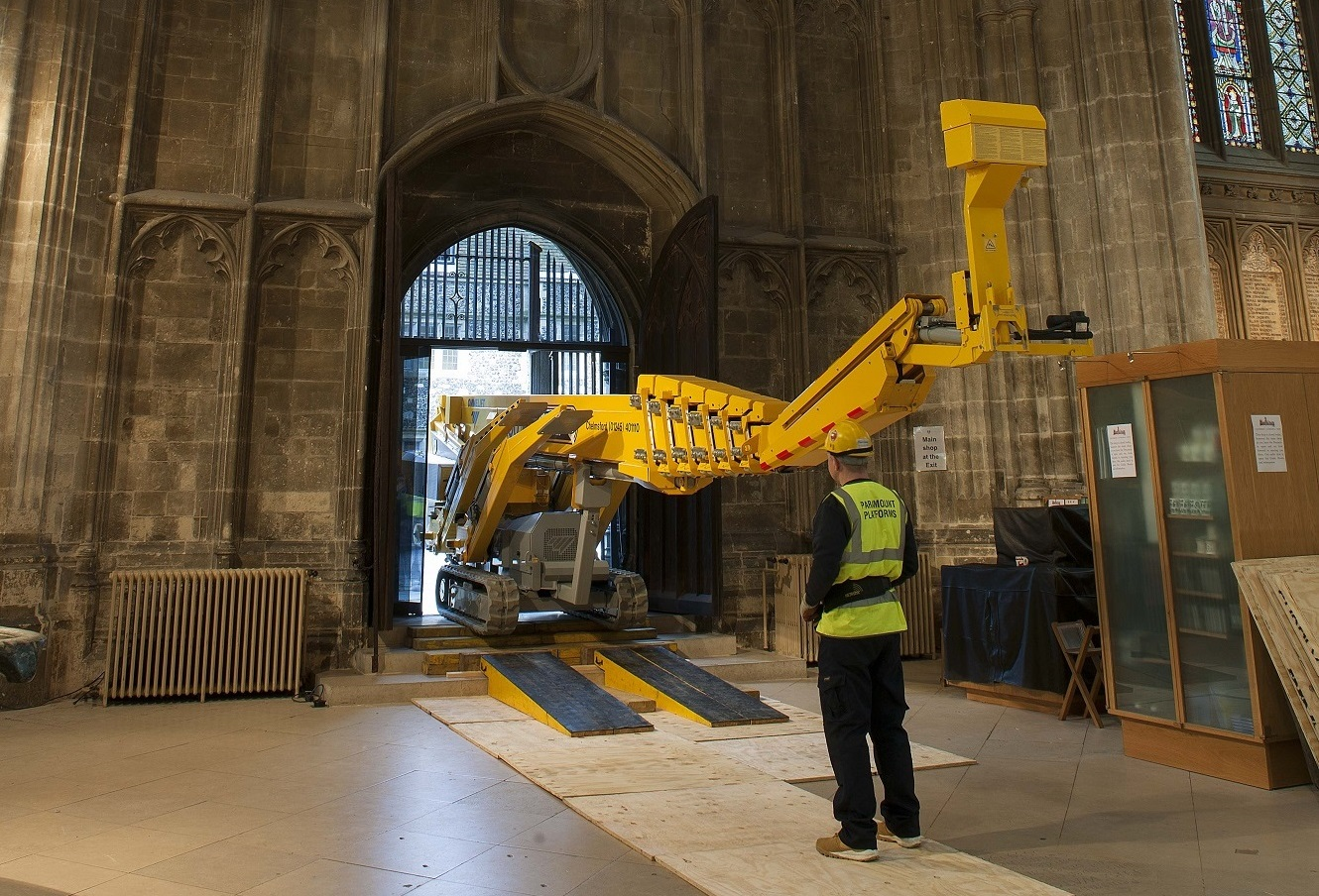 42m Ommelift Assists With Nave Inspection on Canterbury Cathedral