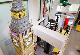 Hird helps move LEGO Big Ben with Wienold SLK floor crane