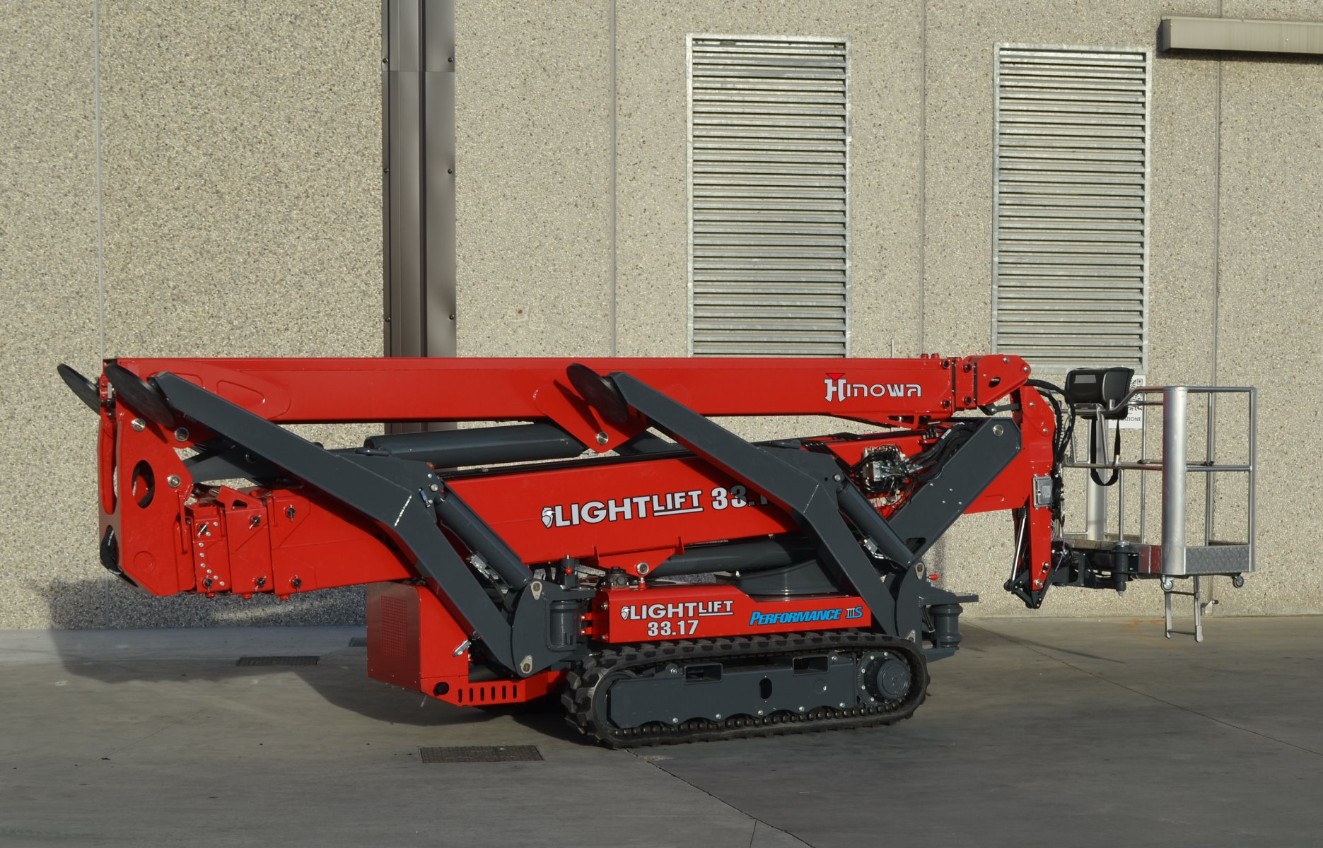 New Hinowa Tracked Boom Wins Innovation Award