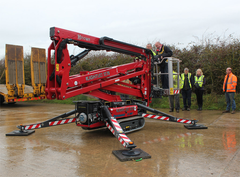 Hinowa 17.75 Tracked spider lift